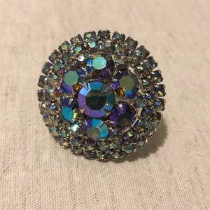 Multi colored pin/pendant